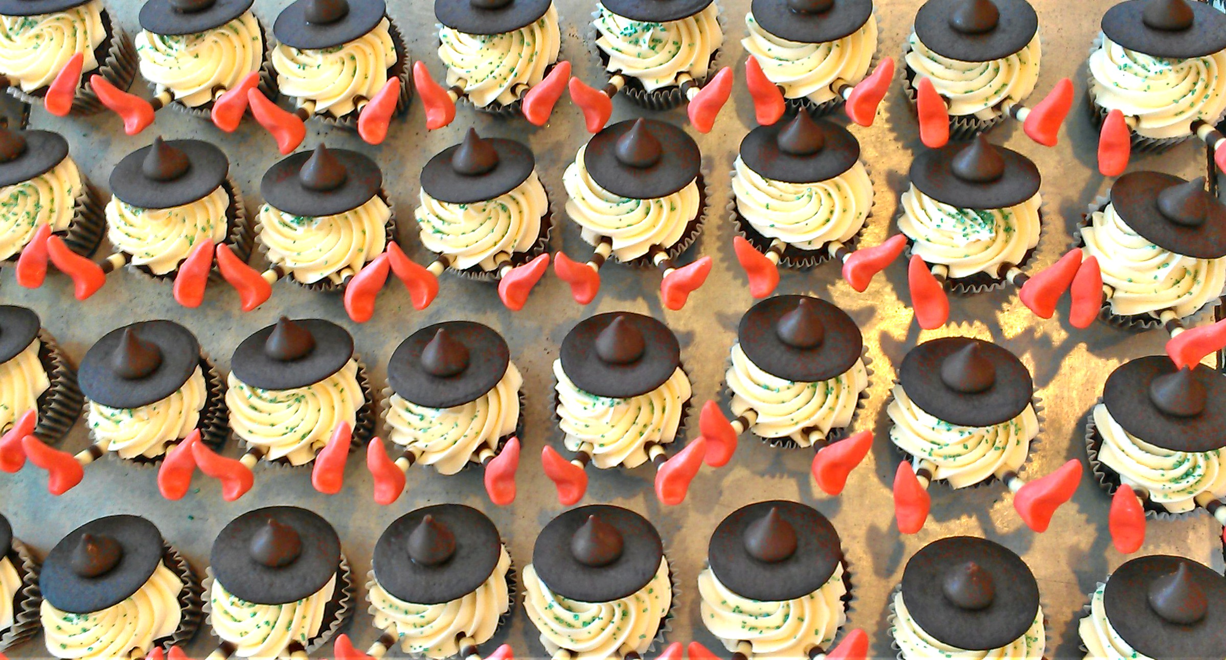 Wizard of Oz Wicked Witch Cupcakes