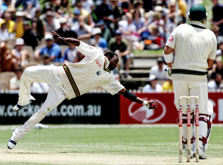 dwayne-bravo-diving-classic-catch-hamish
