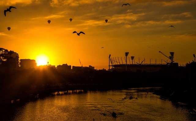 yarra-mcg-sunrise-melbourne-hamish-blair