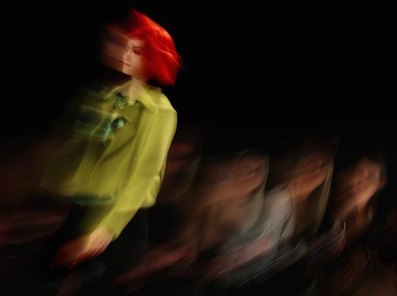 runway-fashion-blur-hamish-blair-photogr