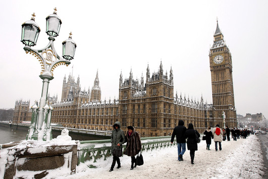 london-snow-big-ben-hamish-blair-photogr