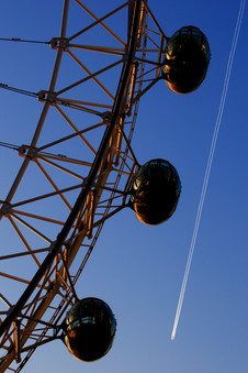 london-eye-plane-hamish-blair-photograph