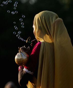 bubbles-mumbai-dasara-hamish-blair-photo