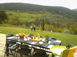 Petit déjeuner en terrase