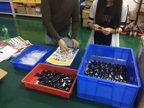 Defective-product-sorting-service-in-China.jpg