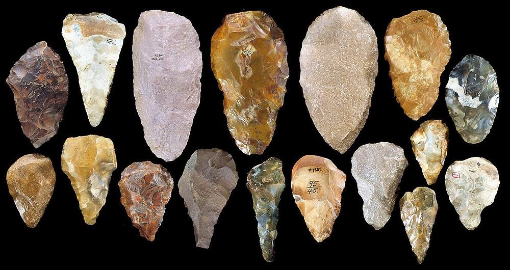 Камни древних людей: скребки, ручные топоры