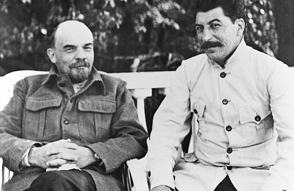 В.И. Ленин и И.В. Сталин