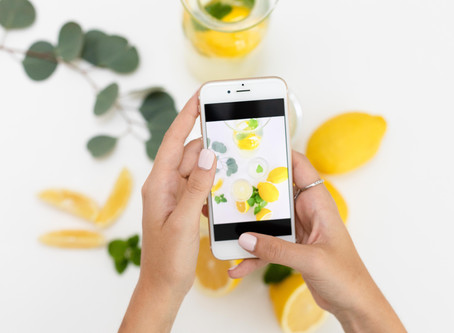 How to make glamorous  flat lays           with your iPhone