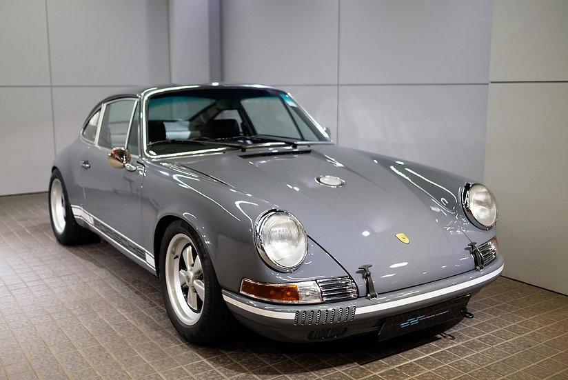 Porsche 911 Retro Works Outlaw