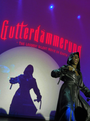 Grace Jones, Gutterdämmerung