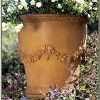 ALMANI CONCRETE PLANTER by Gardenstore