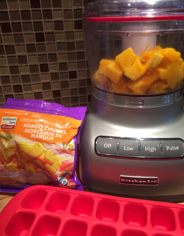 Mango puree in the woks