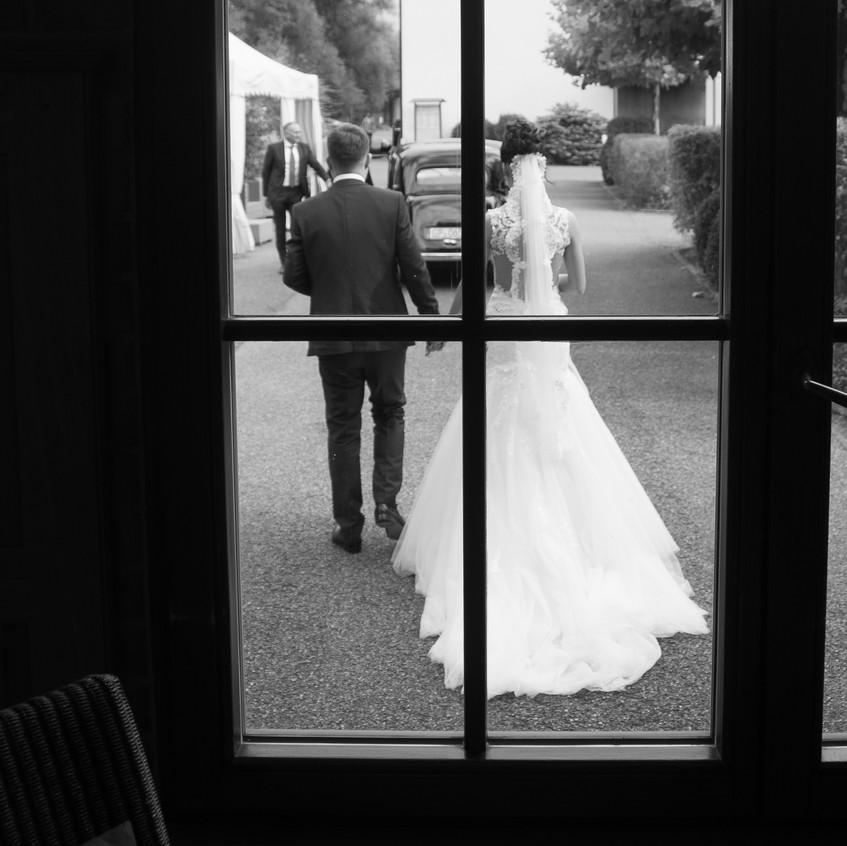 Und ab nun gehen wir unseren Weg gemeinsam. Kristina und Johannes haben es sich zur Aufgabe gemacht, ihren Weg gemeinsam zu bestreiten. Albhochzeit war dabei.