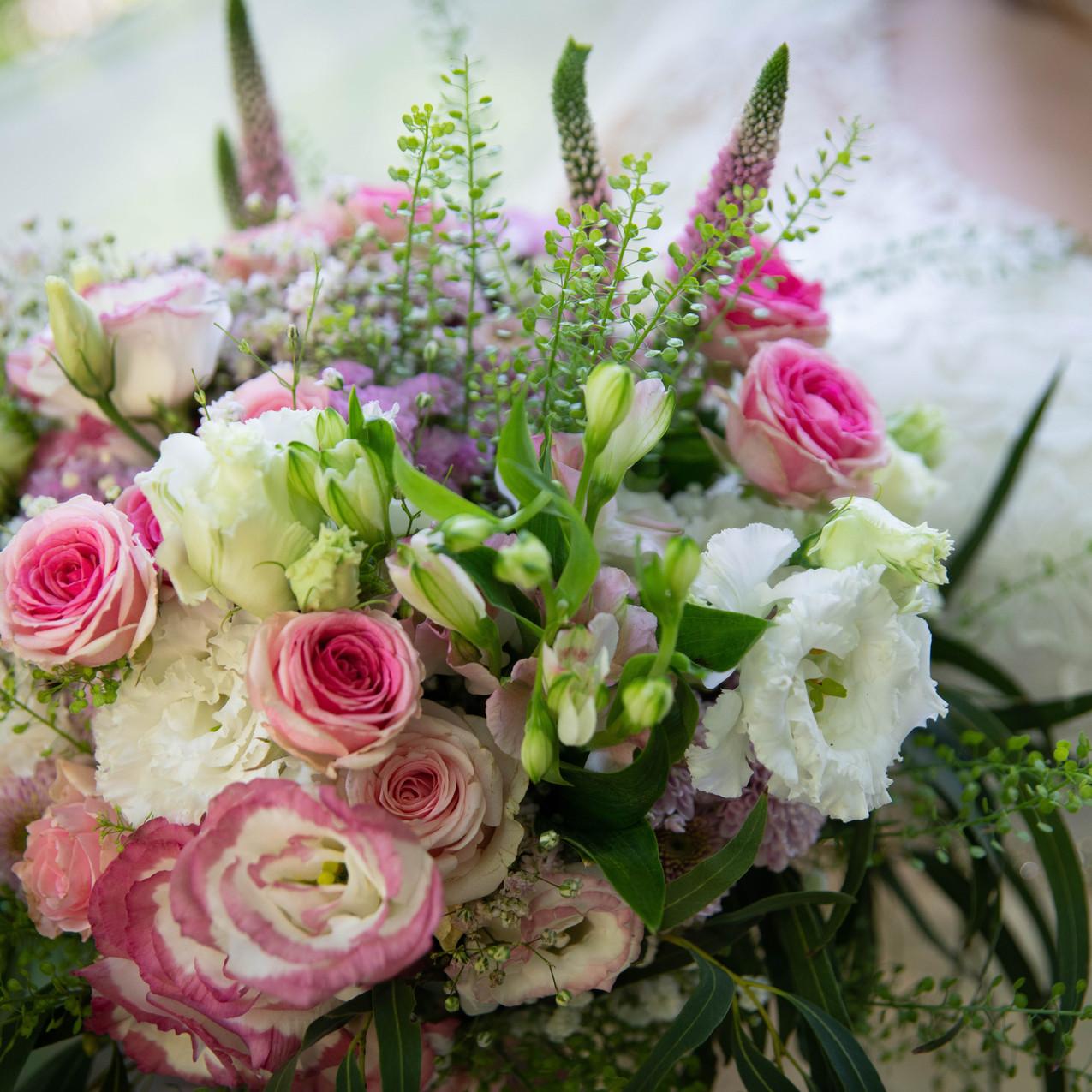 Farbenfroher Brautstrauß bei einer Hochzeit in Ehingen /  Ulm
