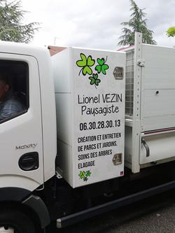 deco-pub-vehicule-adhesif-camion-lionel-veezin-magnetik-communication-craponne