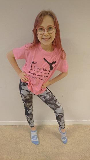 Rosa t-shirt 229:-