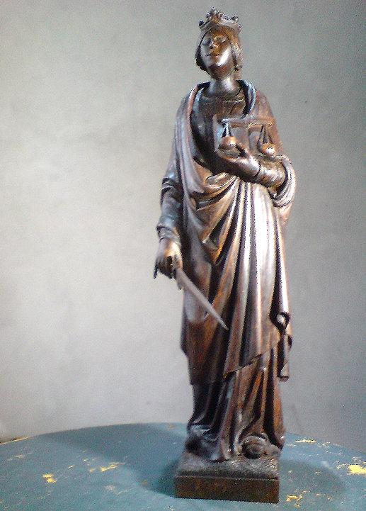 Justicia Skulptur