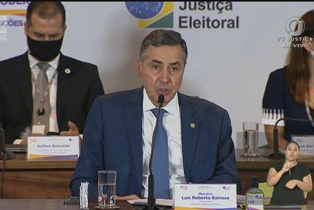 Barroso pede à Polícia Federal para apurar ataque ao sistema do TSE no primeiro turno da eleição