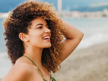 Receitas caseiras para hidratar os cabelos com ingredientes fáceis de encontrar