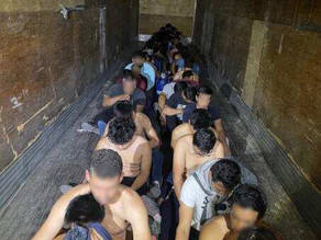 Imigrantes ilegais brasileiros são achados em carroceria de caminhão na fronteira dos EUA