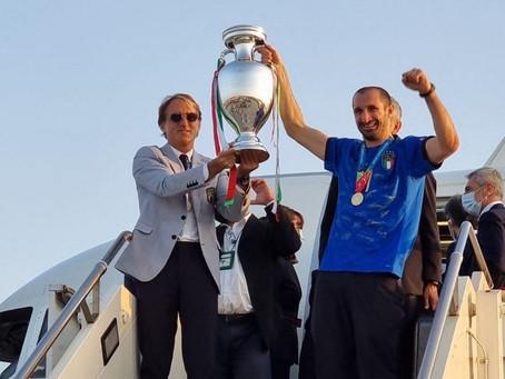 Título da Euro renderá R$ 1,5 milhão para cada jogador da Itália; seleção não desfilará nas ruas