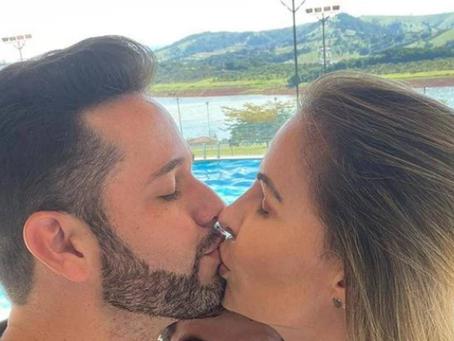 Após boatos de traição, Pastor Lucas e Tati Moreto assumem romance