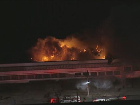 Famosos e autoridades lamentam incêndio em galpão da Cinemateca Brasileira