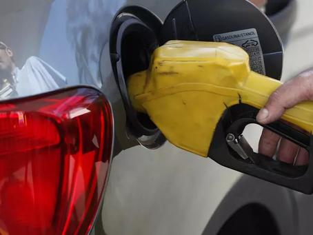 Governo obriga postos de combustíveis a exibir composição de preços