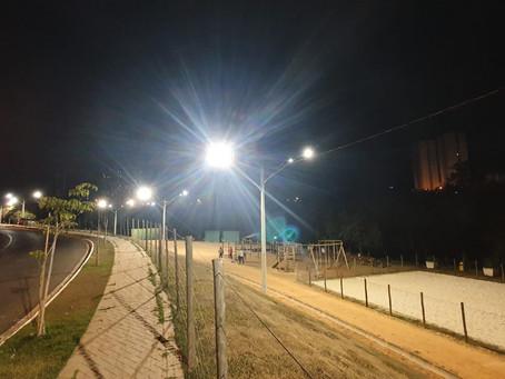 Prefeitura implanta iluminação de LED no Parque Municipal da Avenida Raphael Vitta