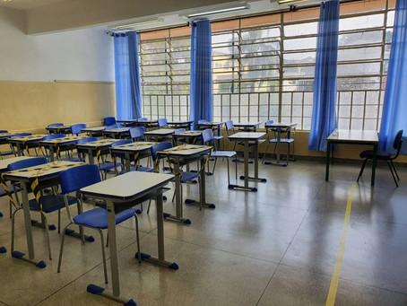 Volta às aulas presenciais estão suspensas na Rede Municipal de Ensino de S. Bárbara