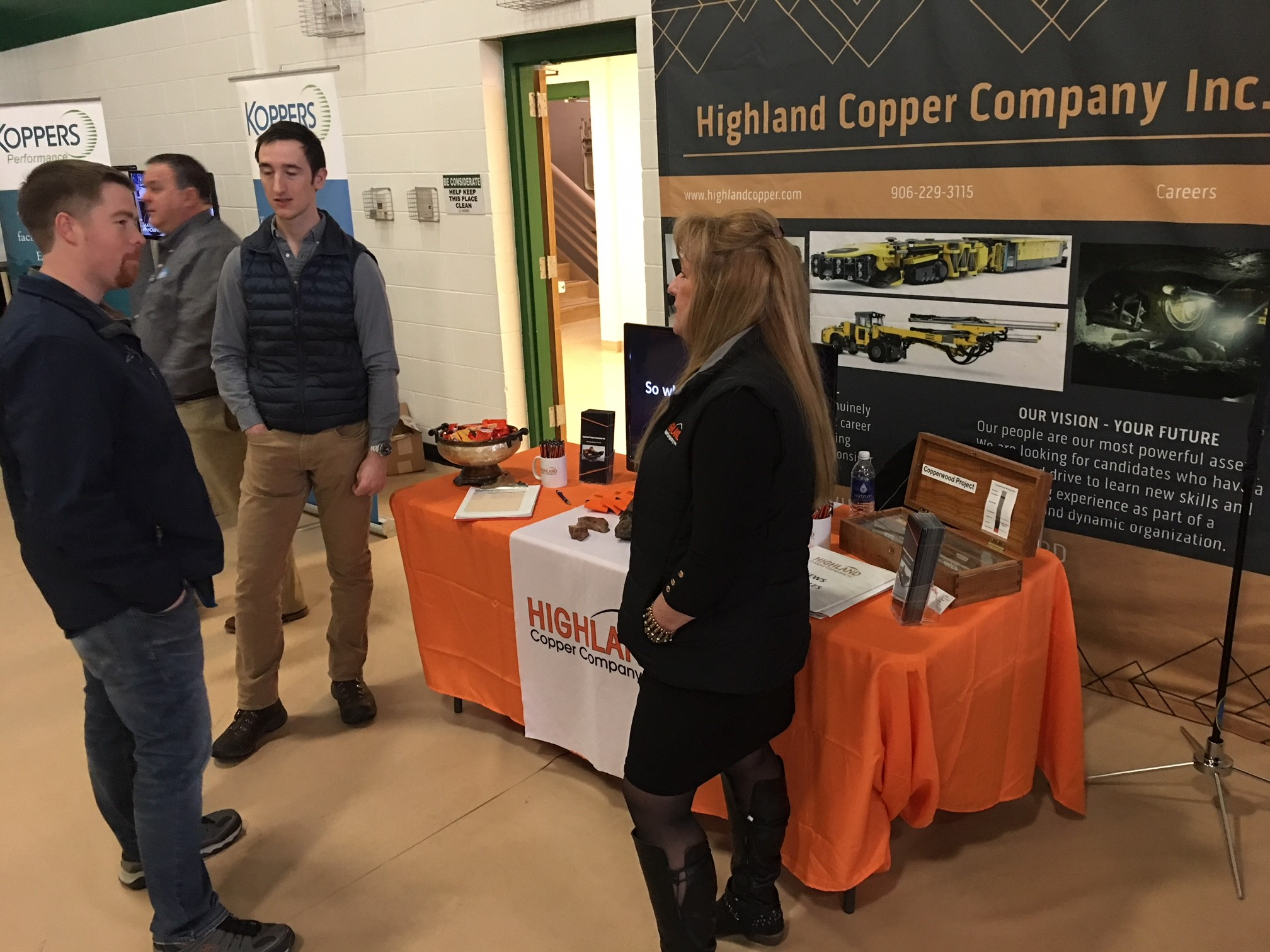 Gogebic_Career_Fair-2018-booth