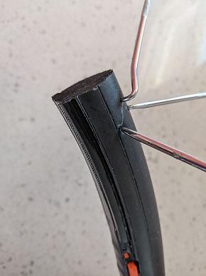 Gecko Rubber Foam Tire.jpg