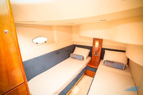 Azimut 42 Yacht 12.jpg