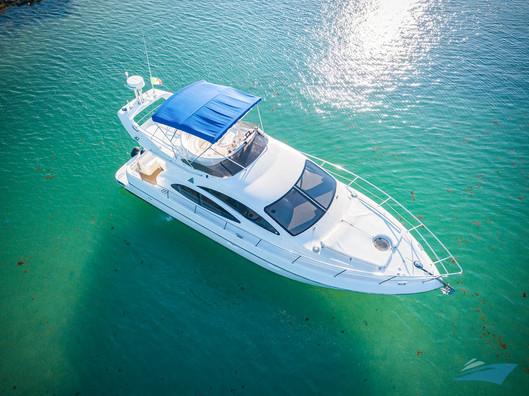Azimut 42 Yacht 07.jpg
