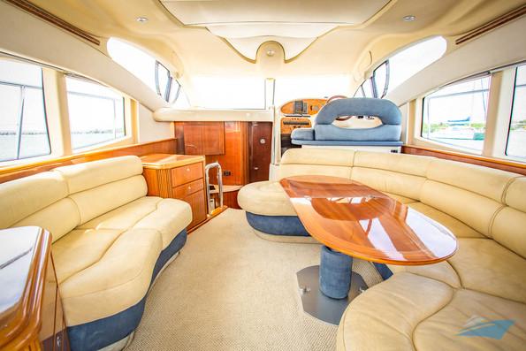 Azimut 42 Yacht 02.jpg