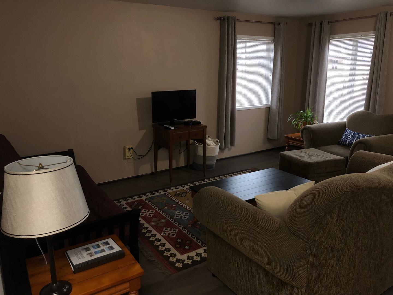 livingroom.1.jpg
