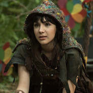 Hannah Marks as Amanda Brotzman