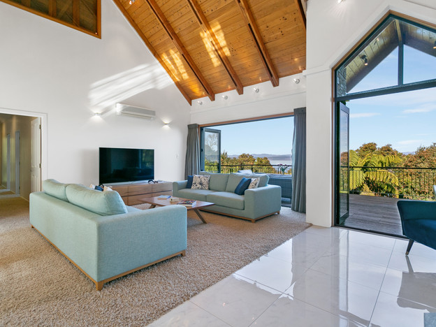 Living Room - Flow to Deck