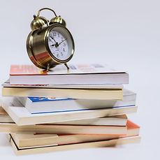 闹钟和书-2.jpg