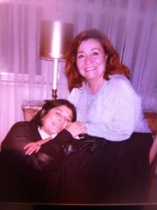"""""""Mecha"""" Gómez con Mercedes Sosa en Montevideo. Foto Cortesía: Carolina Czaffit"""