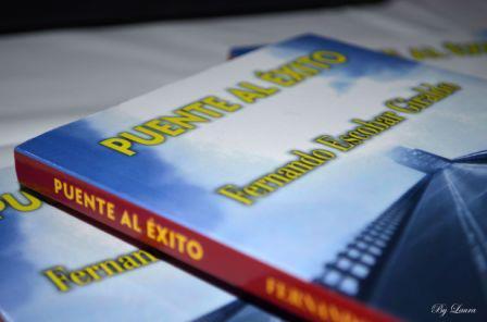 Portada del Libro: PUENTE AL EXITO. Foto cortesía: Fernando Escobar Giraldo.