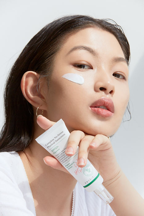 AXIS-Y Sunscreen Application and Ingredients | KSFBEAUTY
