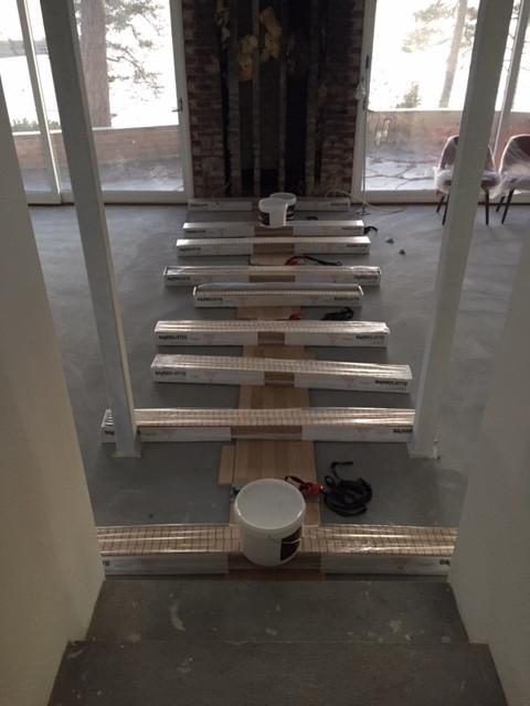Klassisk stavparkett, samt innstalasjon av gulv i trapp.