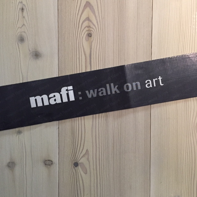 Mafi lutet og hvitoljet lærk