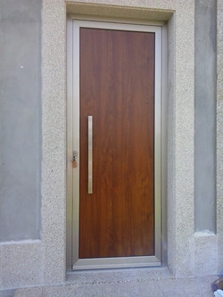 Porta de Entrada em Alumínio