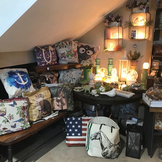 Tote Bags & Illuminaries