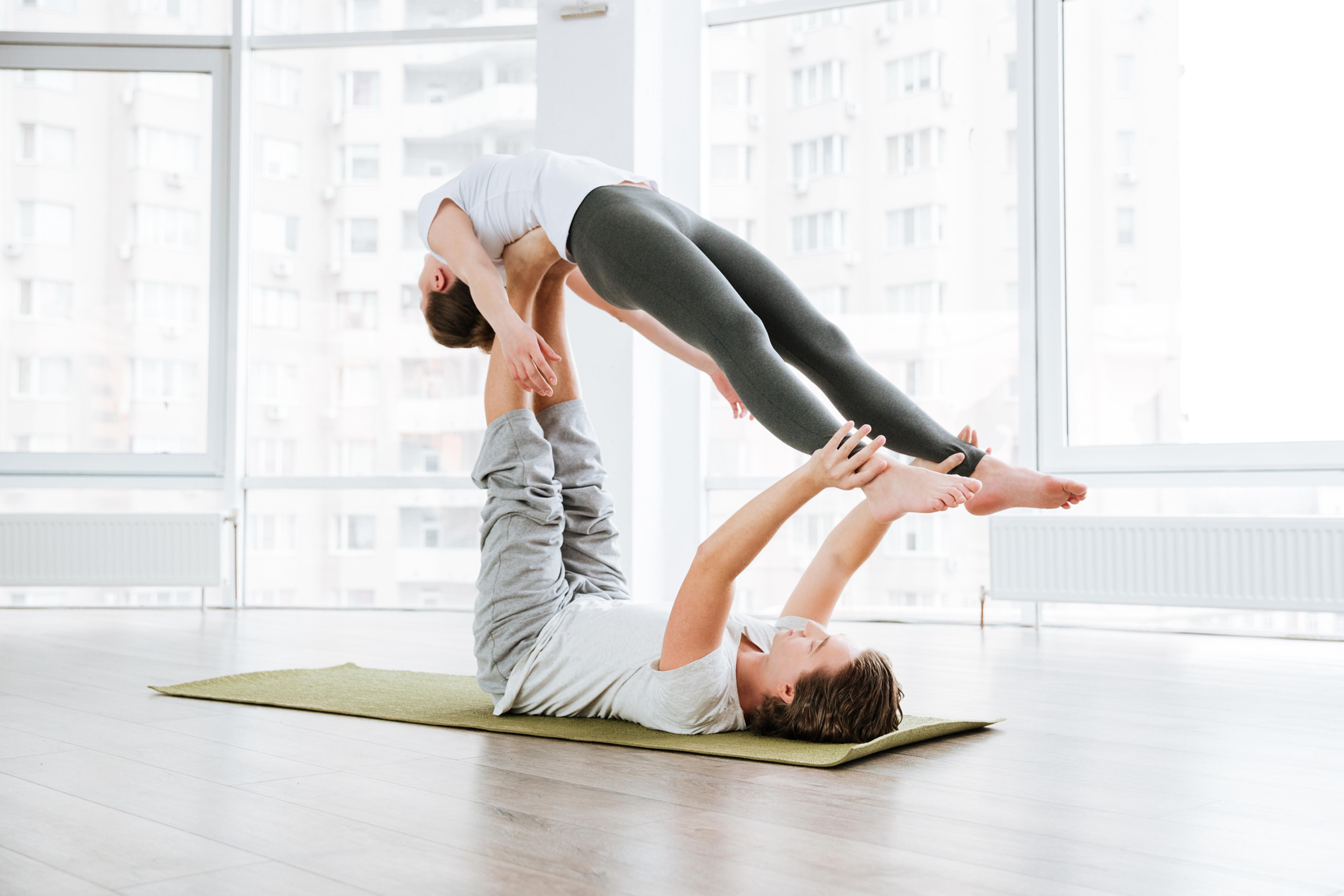 Valentýnská párová jóga