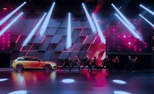 003_Audi_HM17.jpg