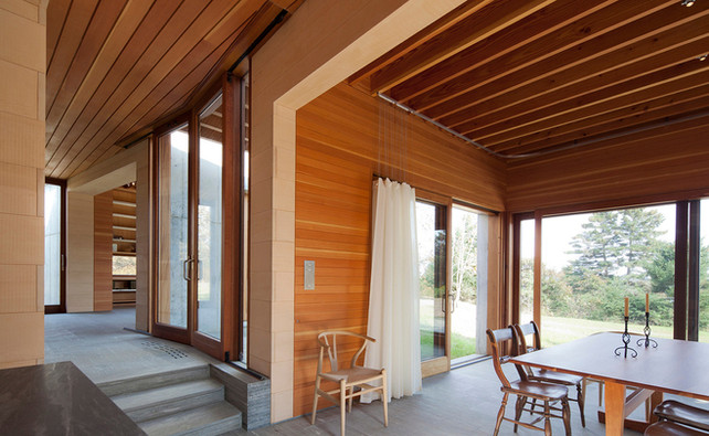021 East House Interior.jpeg