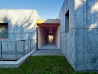 043 East House Corridor.jpeg